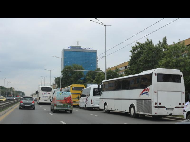 Блокада в София: 250 автобуса и 50 камиона на протест