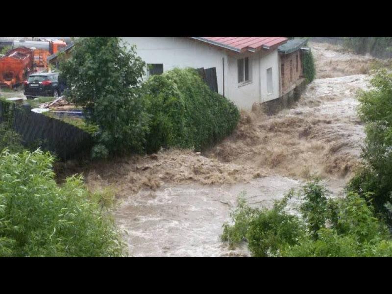 Смолян и общини в Хасковско обявиха бедствено положение (видео)