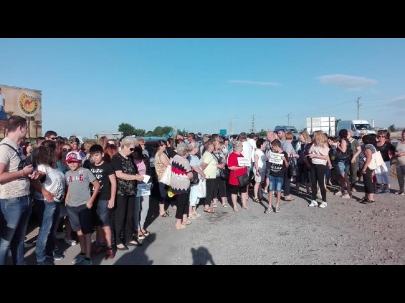 Ахелой на протест срещу прясно открития път за Слънчев бряг