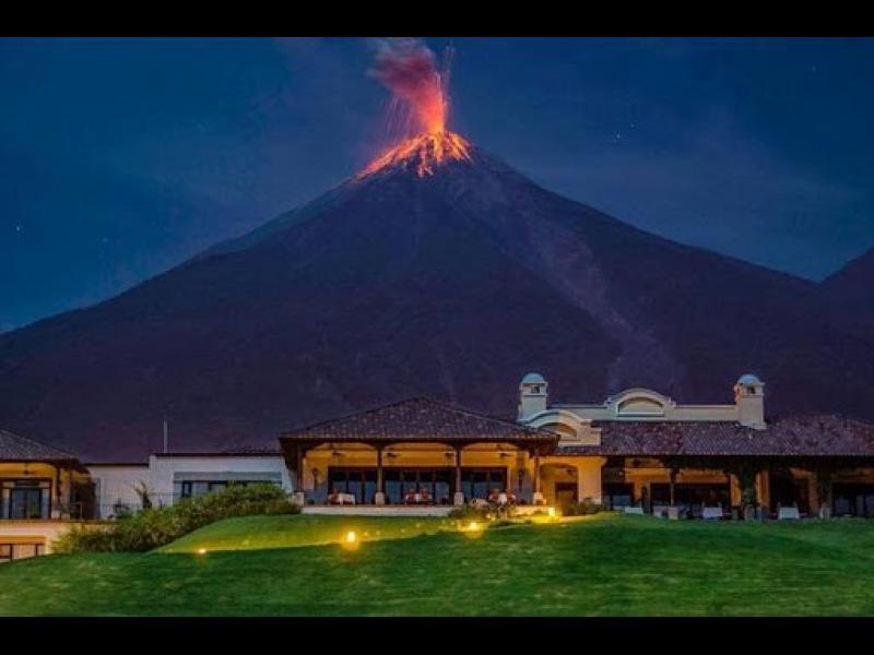 Десетки загинали и стотици ранени при изригването на вулкан в Гватемала