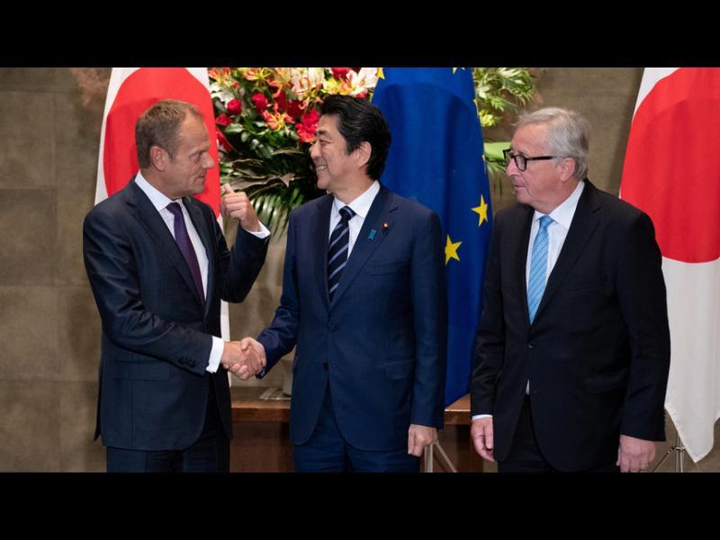 """Япония и ЕС подписаха """"историческо споразумение"""" за свободна търговия"""