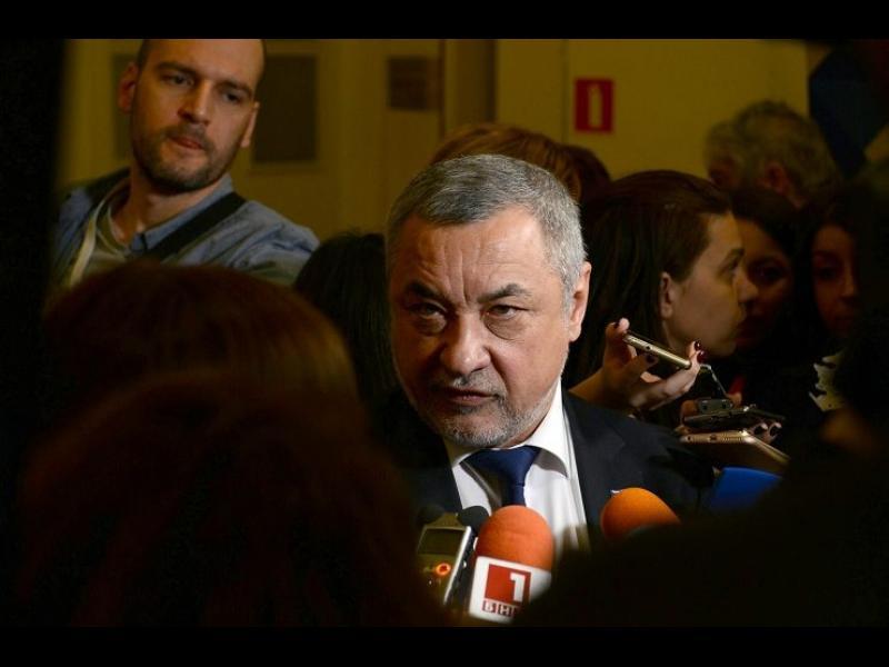 Депутатите окончателно приеха спорните промени в закона за горивата