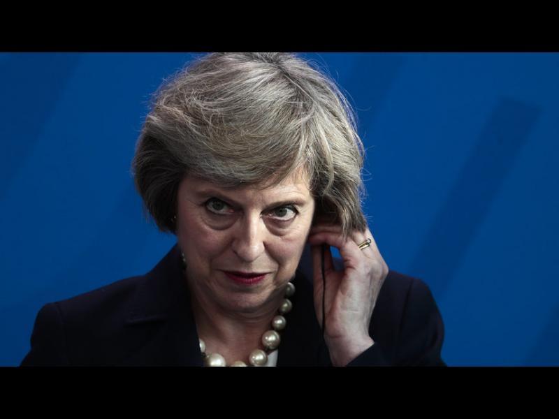 Politico: Премиерът зомби Тереза Мей отказва да умре