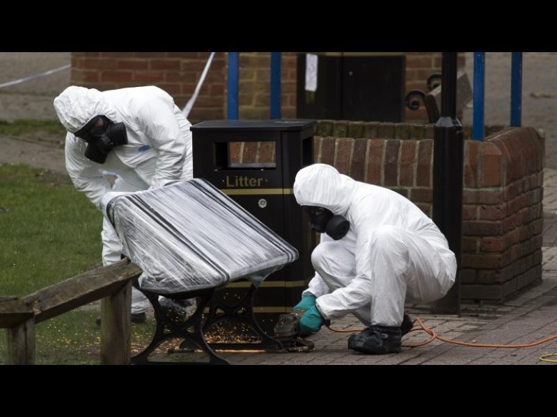 Двама в болница след натравяне в Солсбъри