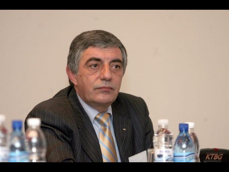 Връзката на Андреев с Пеевски е синът на полковника, адвокат Гено Андреев