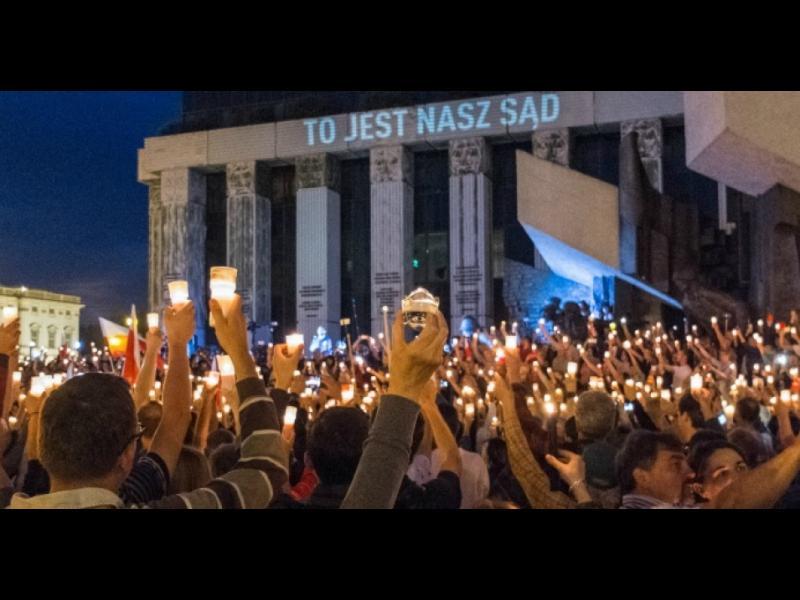 ЕС ускорява процедурата срещу Полша заради съдебната реформа