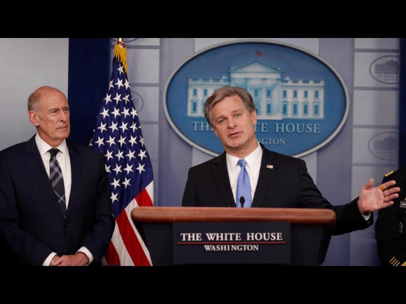 """Русия продължава """"да опитва да отслаби и раздели САЩ"""", каза шефът на американското разузнаване"""