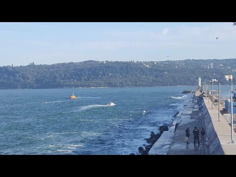 Откриха телата на децата, удавили се край вълнолома във Варна