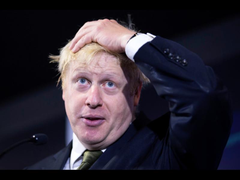 Борис Джонсън може да бъде наказан заради сравнението на жените с бурки с пощенски кутии