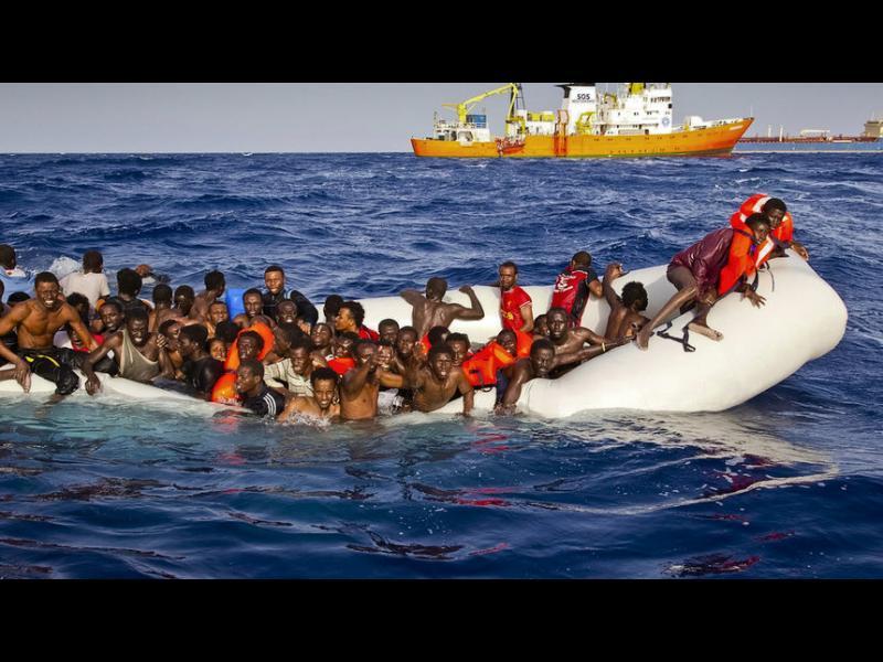 Властите на Лампедуза: Мигрантите вече тръгват не от Либия, а от Тунис
