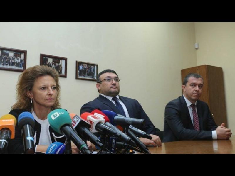 """Верига от 20 легални фирми отговаряла за данъчните престъпления по случая """"Винпром Карнобат"""""""