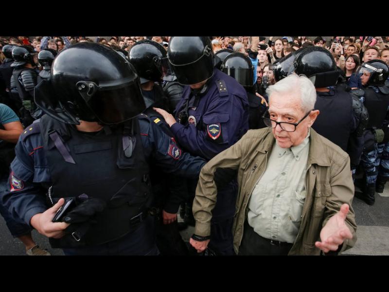 Над 150 души са задържани в Русия при протести срещу пенсионната реформа