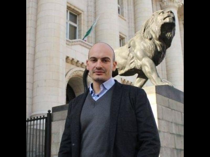 Полицията в Перник задържа двама журналисти - картинка 1