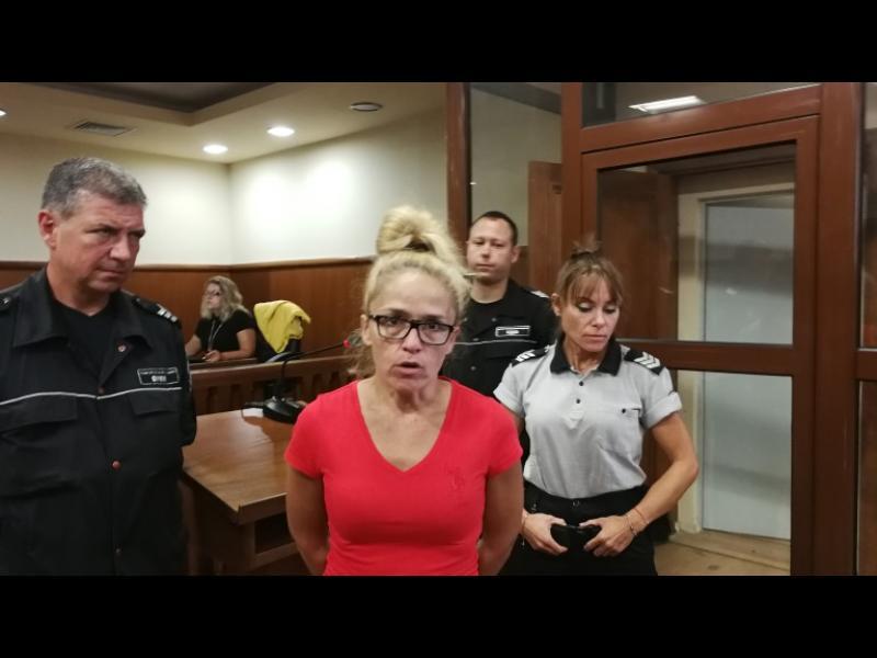 Иванчева и Петрова ще излязат под домашен арест