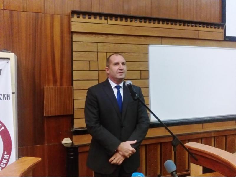 Президентът за Валери Симеонов: Безконтролната власт ражда цинизъм
