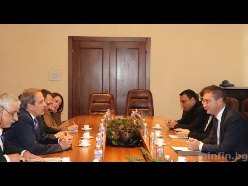 Преди 10 дни правителството е одобрило Московски за шеф в Черноморската банка