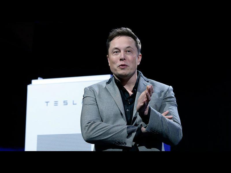 """Мъск се подигра с борсовия регулатор в САЩ, заради който загуби пост в """"Тесла"""""""