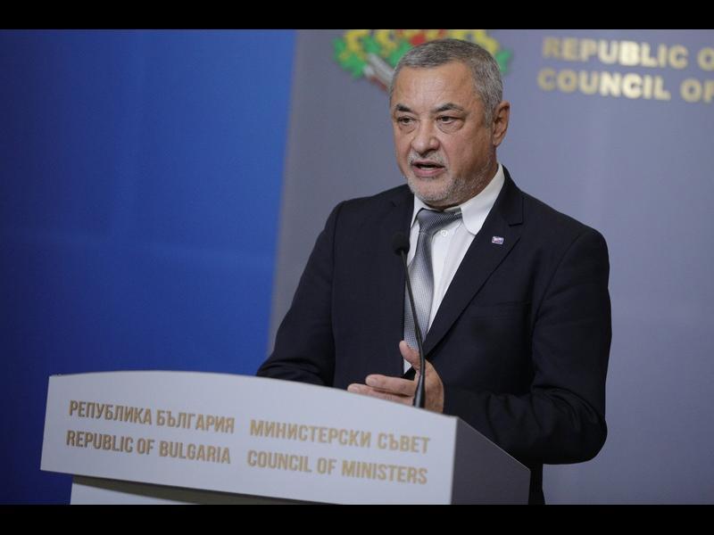 Валери Симеонов: Исканията за оставката ми са несъстоятелни