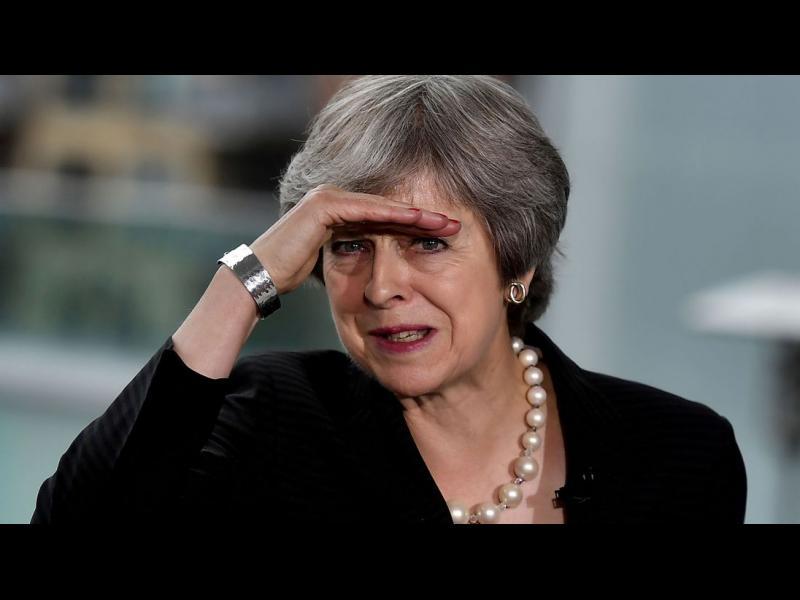 """Хаос или """"няма страшно, продължаваме напред"""": какво ще стане, ако Мей загуби вота за Брекзит"""