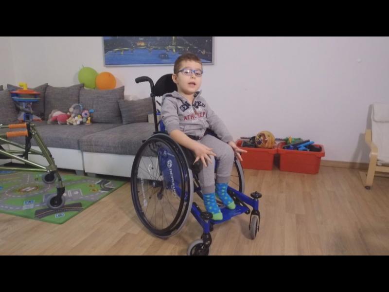 Здравни емигранти: Ще се върне ли семейството на малкия Дамян в България