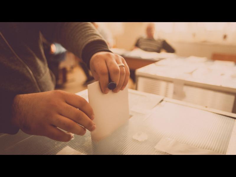 50/50 очаквания за предсрочни избори и за пълен мандат