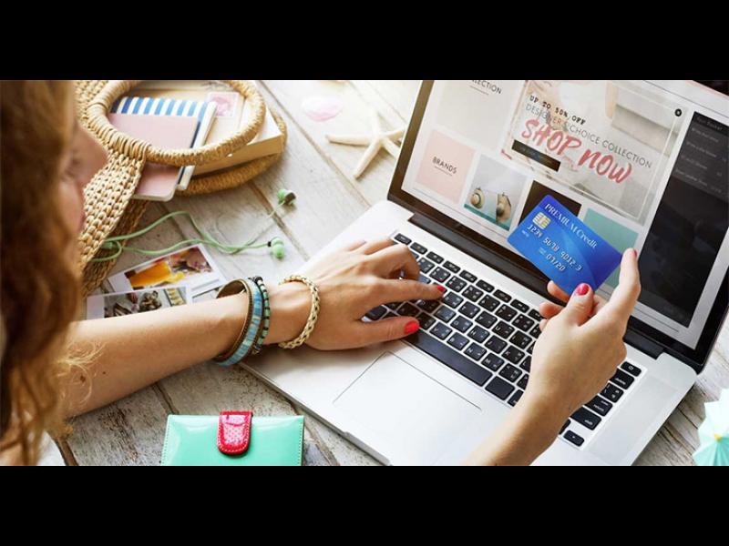 Онлайн търговията нараства с над 17% за година