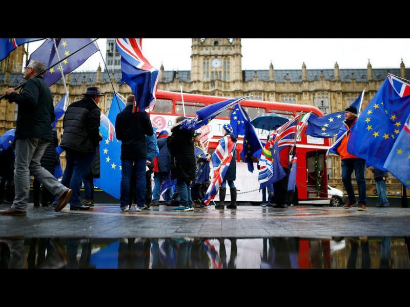 Почти милион и половина души поискаха в петиция втори референдум за Брекзит - картинка 1
