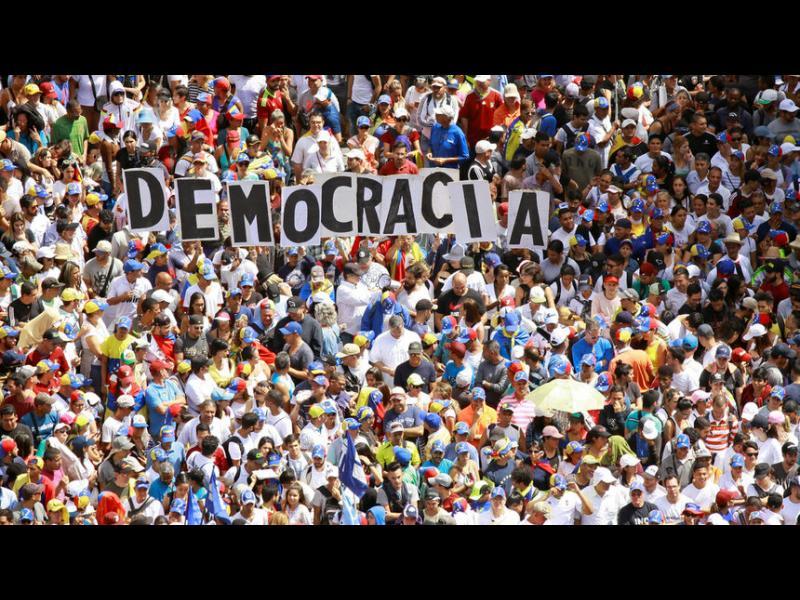 Мадуро скъса отношения със САЩ, Помпео призова армията да се намеси