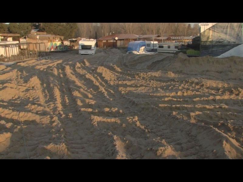 Задържаха поръчителя и двама багеристи за унищожените дюни на Смокиня