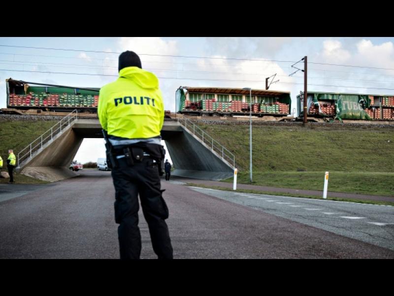 Силен вятър причини влаков инцидент с 6 жертви в Дания