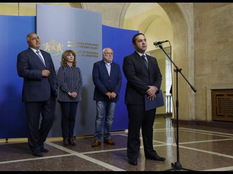 """Държавата и """"Дунарит"""" водят над 70 дела"""