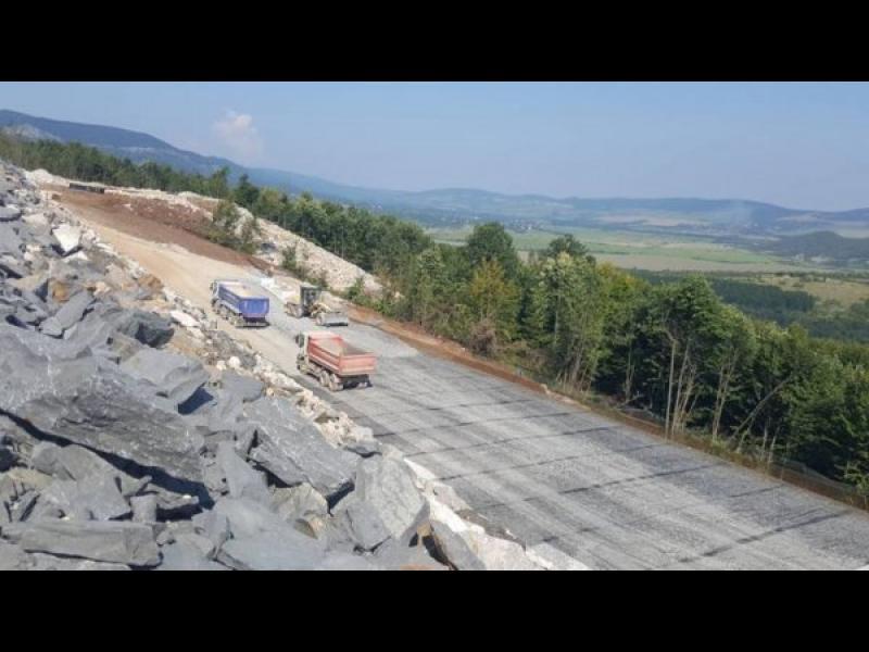 """Държавна фирма взима без конкурс 1.1 млрд. лева за 134 км от магистрала """"Хемус"""""""