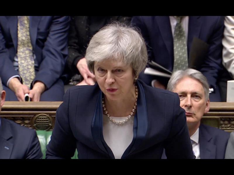 Британското правителство - пред вот на недоверие
