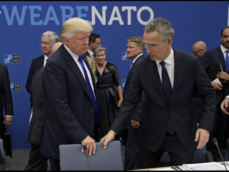 Забраниха на Тръмп със закон да вади САЩ от НАТО