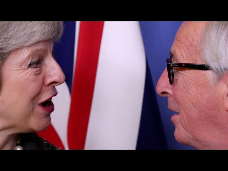 Юнкер: Великобритания ще трябва да участва в евроизборите, ако е в ЕС след май