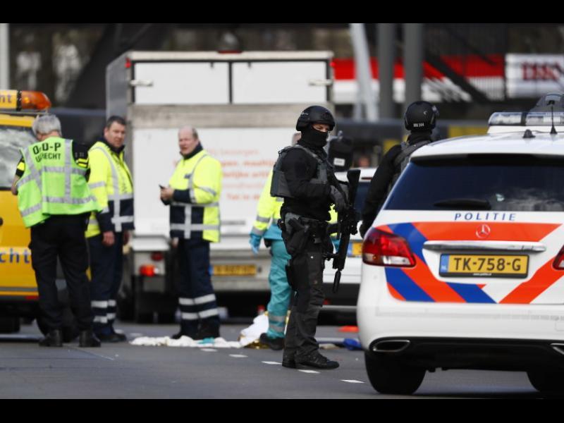 Стрелец уби трима и рани петима в трамвай в Утрехт, Холандия