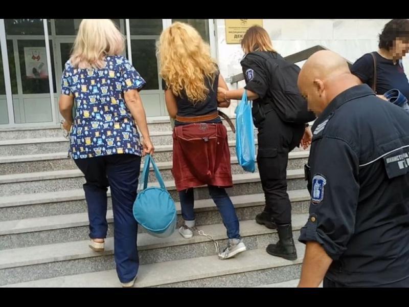 Държавният департамент за човешките права в България: Полицейски произвол и дискриминация