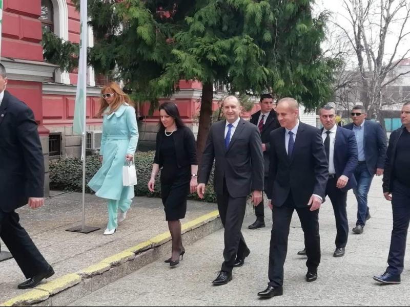 Президентът: Не може назначена от Цветанов комисия да го разследва по наложен от него закон