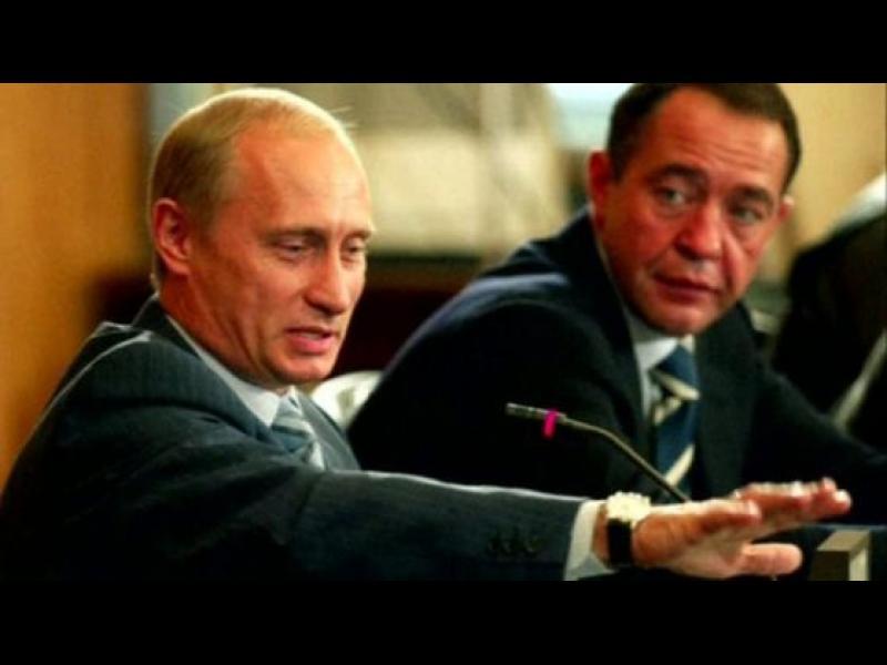 Вратът на бивш медиен съветник на Путин е счупен при смъртта му