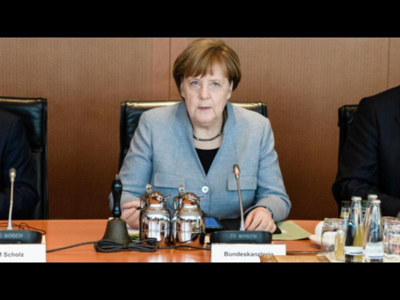 Меркел не смее да каже на германците, че хубавият живот приключи