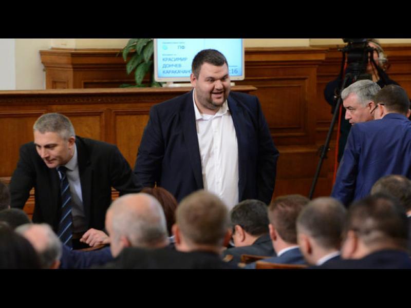Лидерът на ДПС и Делян Пеевски оглавяват листата на партията за европейските избори