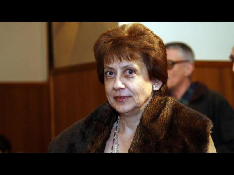Ренета Инджова: Изходът ще дойде отвън и ще е унизителен - картинка 1