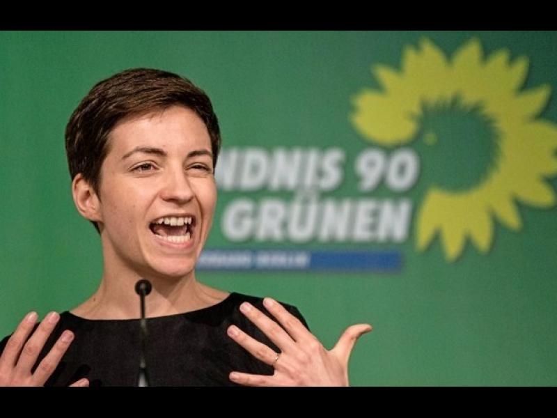 Зелените и крайнодесните разбиха 40-годишната доминация на центристите в Европа