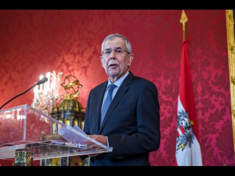 Президентът на Австрия предложи предсрочни избори през септември