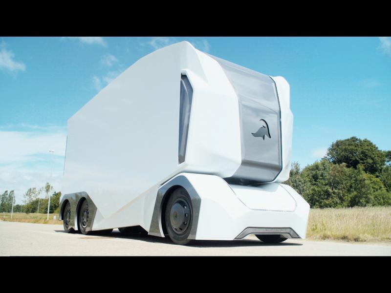 В Швеция започнаха първите редовни доставки с електрически камион без водач (ВИДЕО)