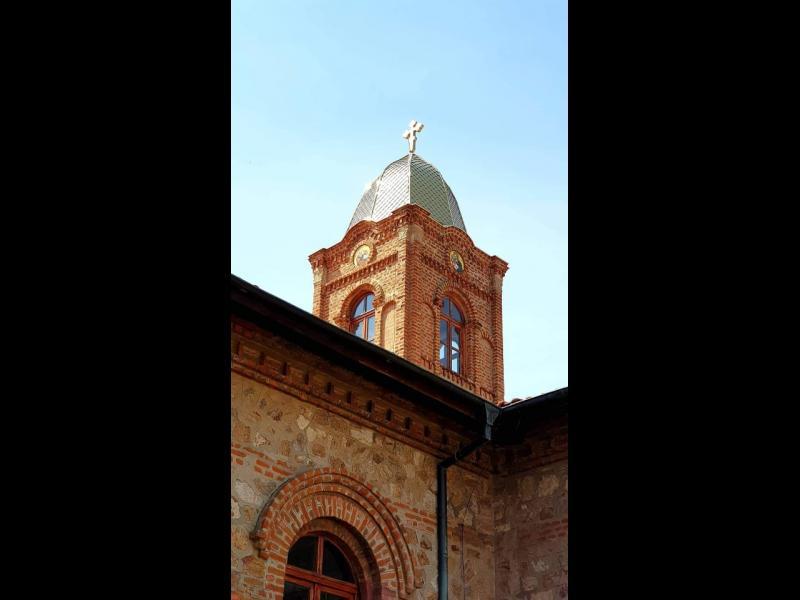 Осветиха новия купол и кръст на българската църква в Одрин