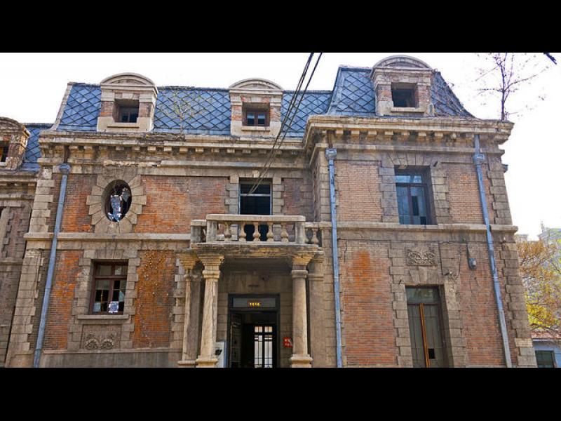 Луксозно китайско имение плаши обитателите с призраци