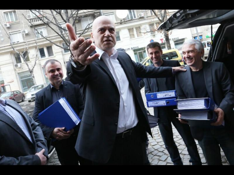 Слави Трифонов: Идват избори - да спасим един ключов министър и да удържим народния гняв