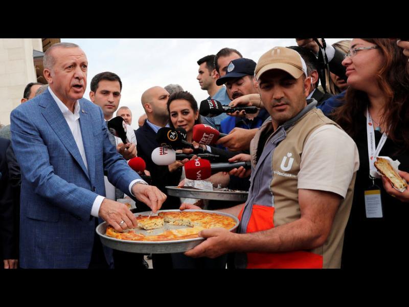 """Изборите в Истанбул станаха """"битка с Константинопол"""""""