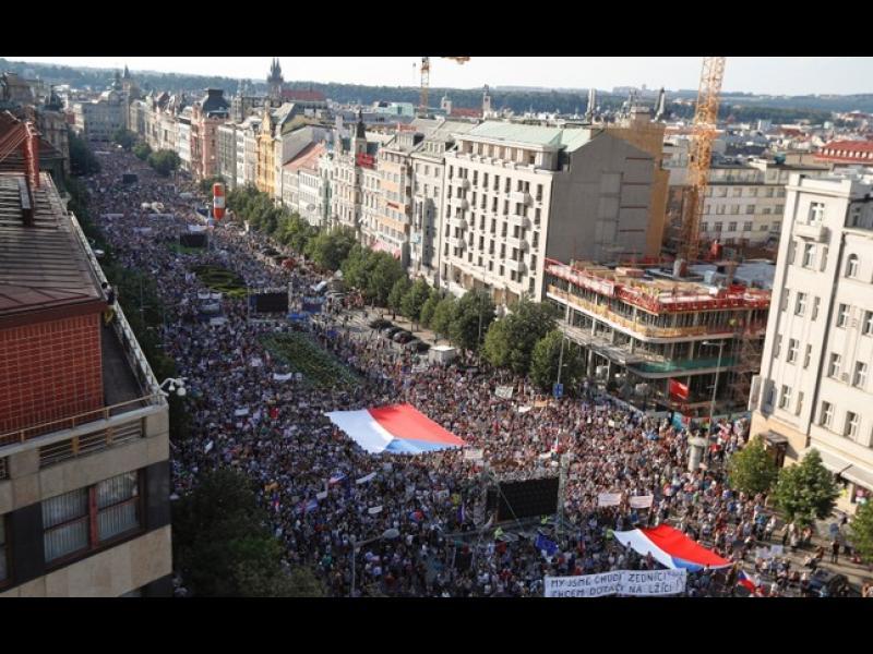 Чехия преживя най-големия политически протест от падането на комунизма досега